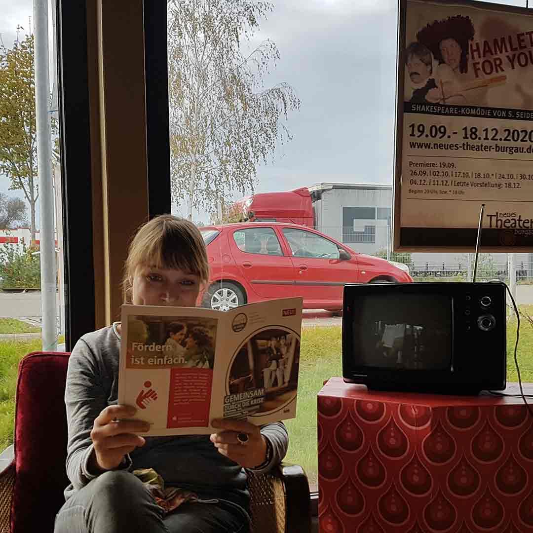 Wir Im Kreis Lokal Magazin für Politik und Kultur Sparkasse Dörte Trauzeddel Neues Theater Burgau
